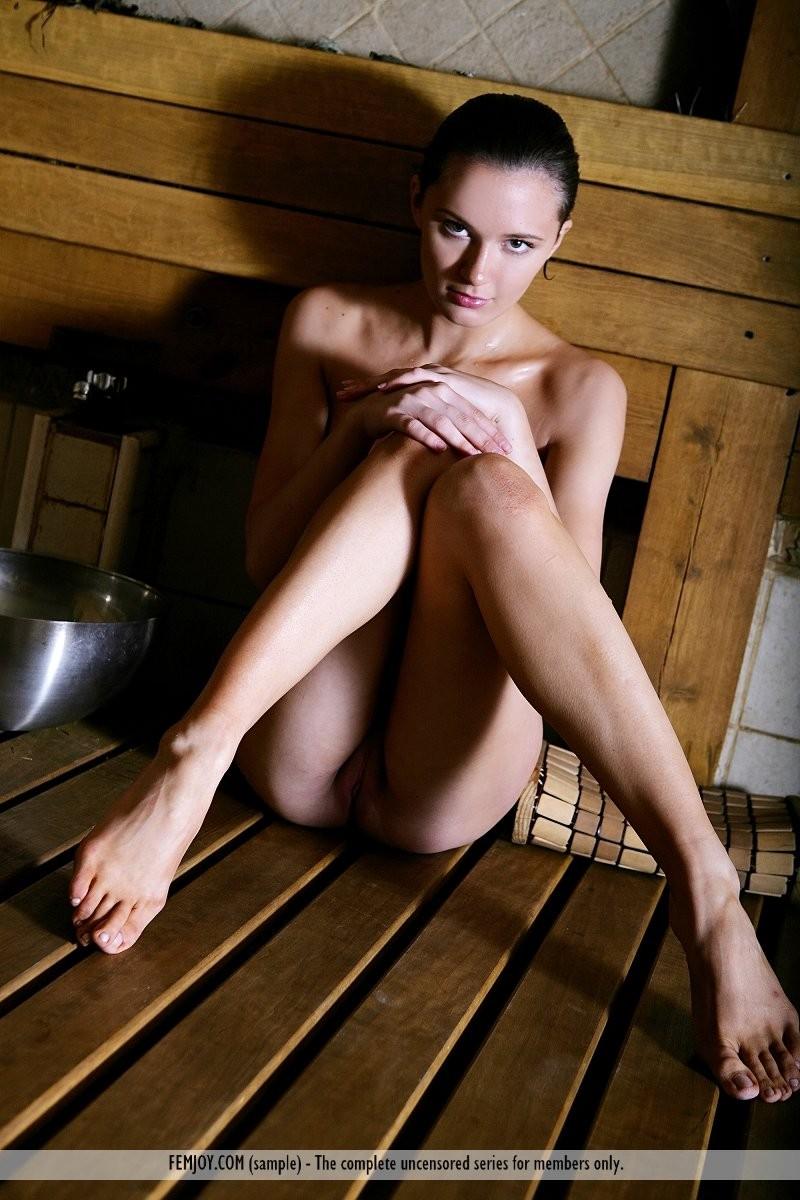 Aisha in sauna  RedBust