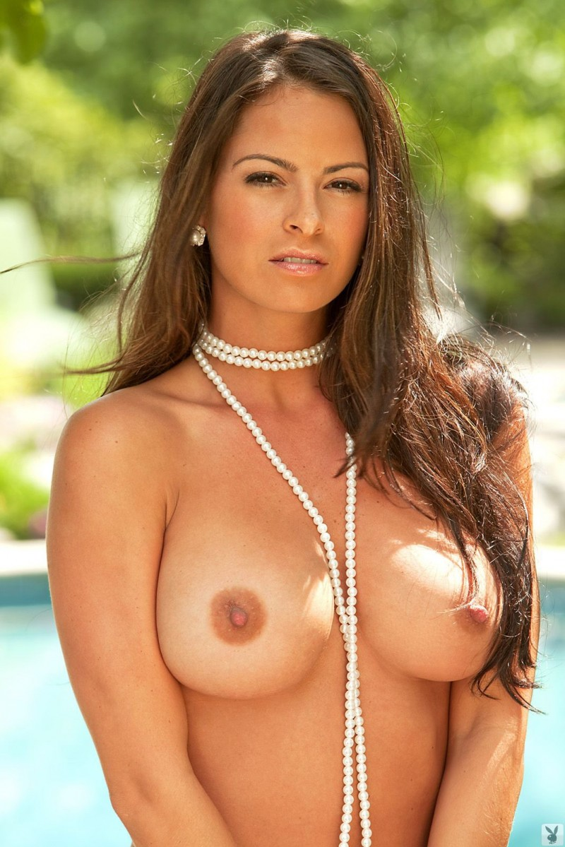 Carmella Anderson in necklace of pearls  RedBust