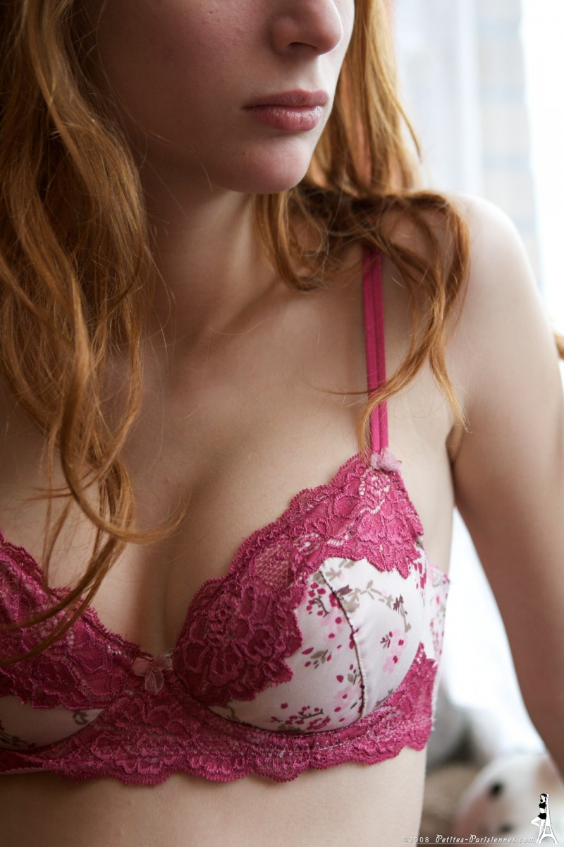 Clelia  Young redhead in Paris  RedBust