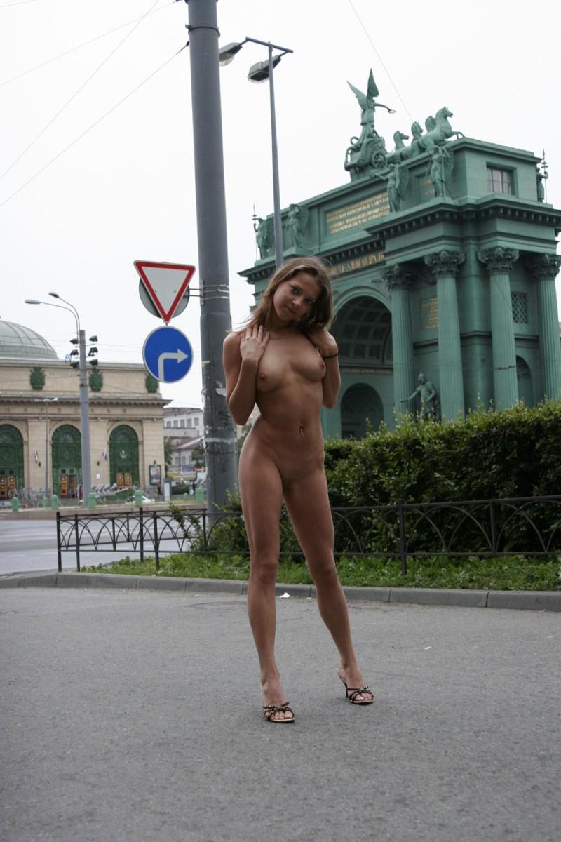 Janina  Walk around St Petersburg  RedBust