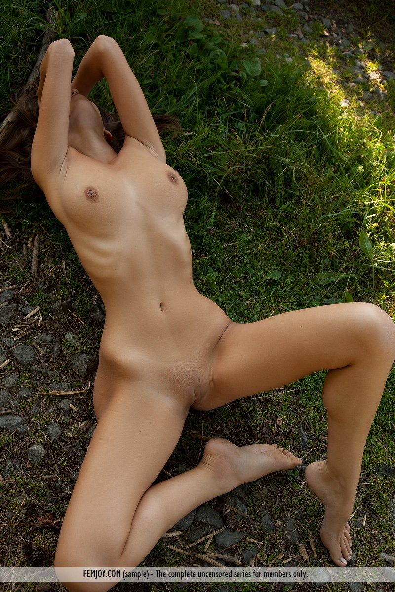 Lizzie nude in the woods
