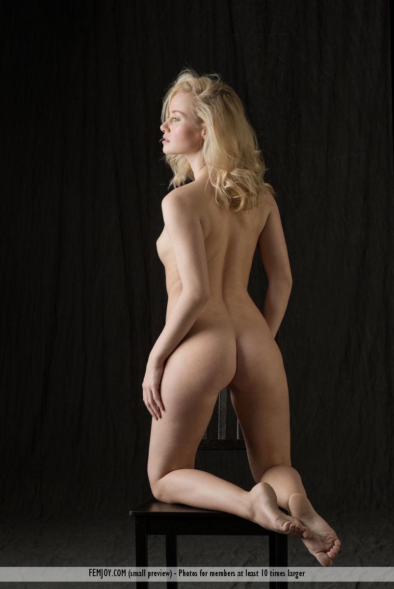 Gabi chair nude blond femjoy 16 RedBust