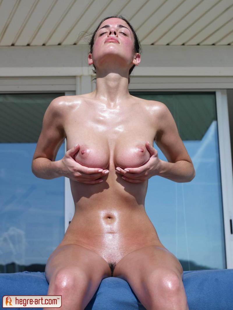 Muriel  Naked sunbathing vol2