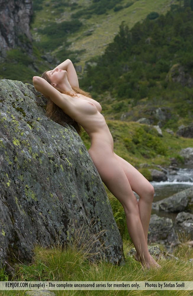 Susann naked in the mountains  RedBust