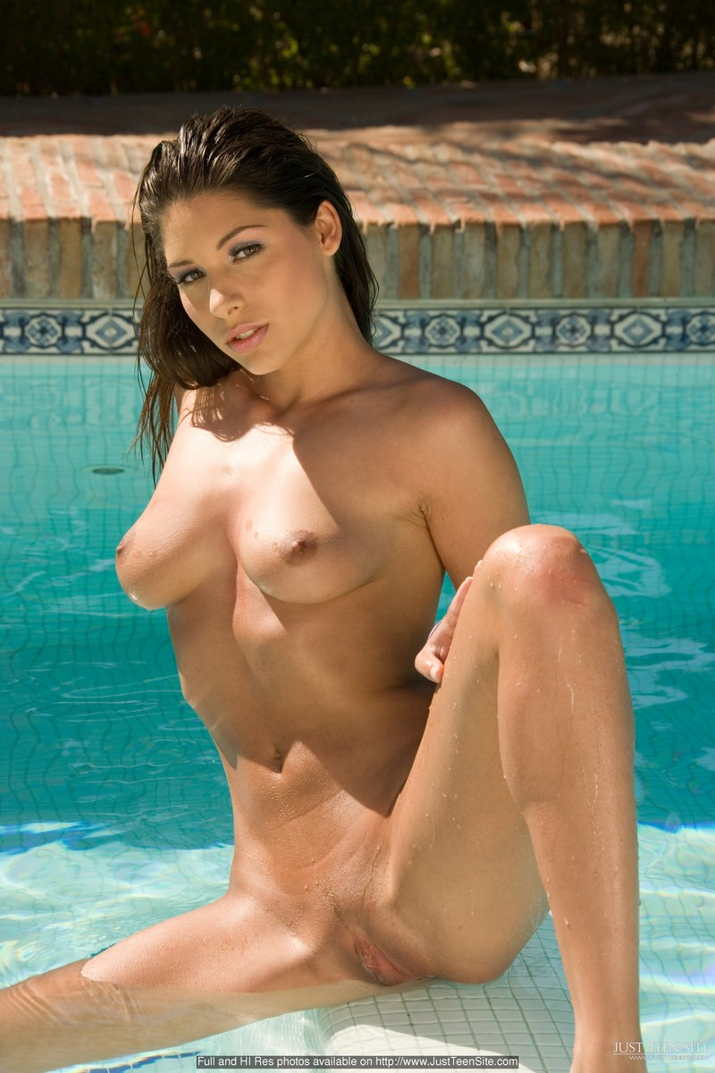 Zafira in the pool  RedBust