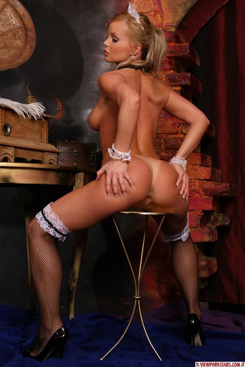 Housemaid Silvia Saint  RedBust