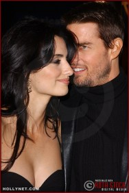 "(L-R) Actress Penelope Cruz and actor Tom Cruise attend the U.S. premiere of ""The Last Samurai"""