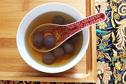 Purple Yam Mochi Balls in Ginger Syrup (紫薯姜汁湯圓)
