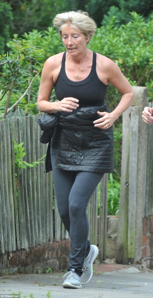 34c4d75600000578-0-downsizing_emma_thompson_pictured_last_may_has_dropped_two_dress-m-89_1483488920961