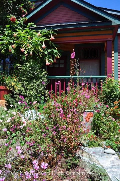 Keeyla's pink house with aqua trim.