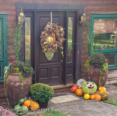 The fall front door decor once it was finally finished.
