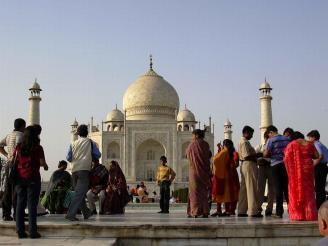 Taj Mahal, crowds, Agra, India