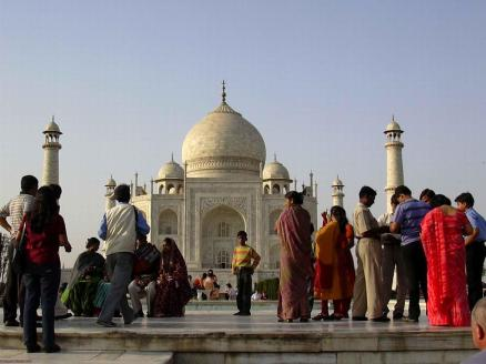 Taj Mahal, crowds, Agra, India