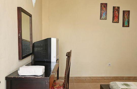Apartment Reddoorz Mataram Kuta 2 Guest House Kuta