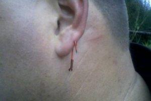 hook_in_ear