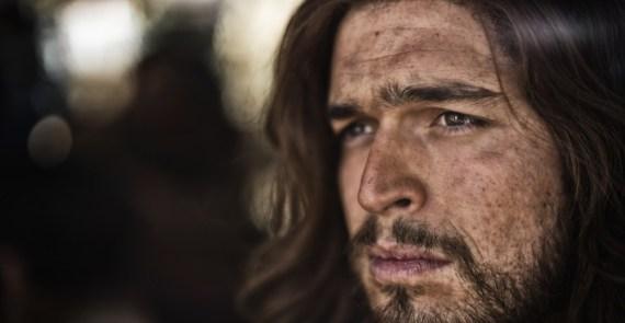 looks like Jesus