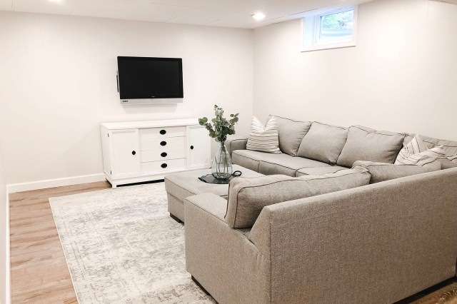 TV Console Wide Horizontal