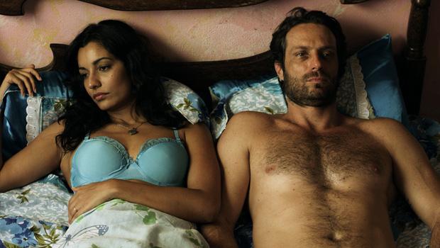Sabô (Giselle Itié) e Ubaldo Capadócio (Fernando Pavão) lutarão por um amor impossível (Foto: Divulgação/Rede Record)