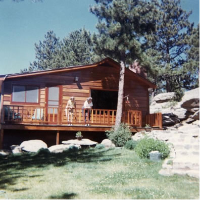 Sunning Rock cabin on the Fox Acres property in 1966, after the cabin was remodeled by the Stenzel family.