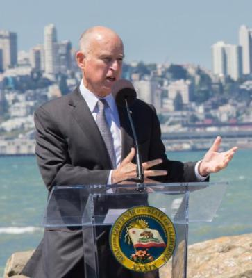 Jerry Brown signs cap and trade bill