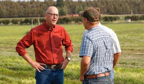 Rep. Greg Walden (left) is the ranking Republican on the House Energy and Commerce Committee and is calling for climate solutions.