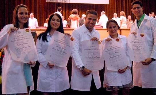 Cuba forma a cerca de 15.000 profesionales de la salud por año. Salim Lamrani