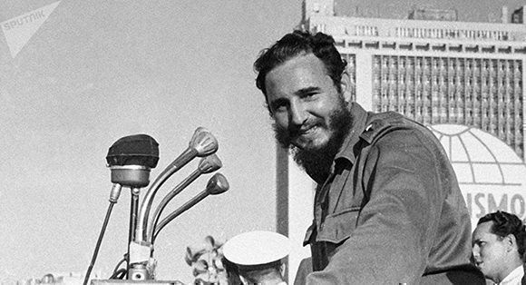 Fidel-Castro-Sputnik-Pavel-Barashev-580x314