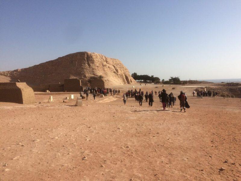 get closer to the abu simbel temple