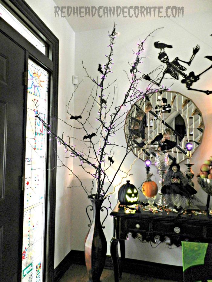Unique Halloween Decor Ideas - redheadcandecorate.com #halloween #lanterns