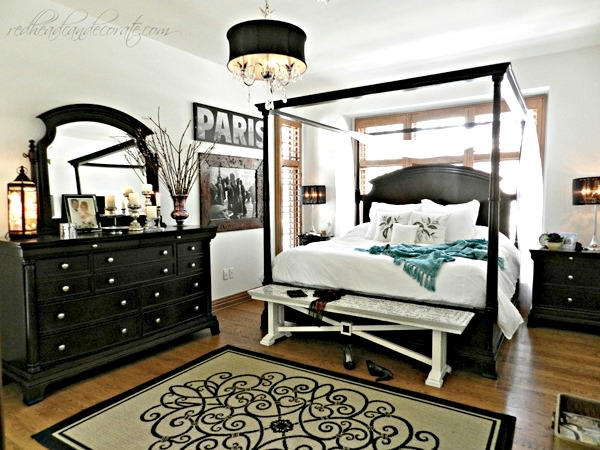 bedroom feature photo