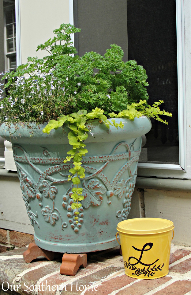 Sharpie Embellished Citronella Buckets by Our Southern Home #sharpie