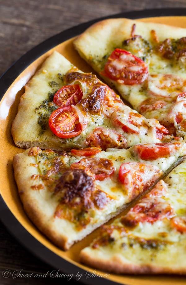 Roasted-Tomato-Pesto-Pizza-1-600x919