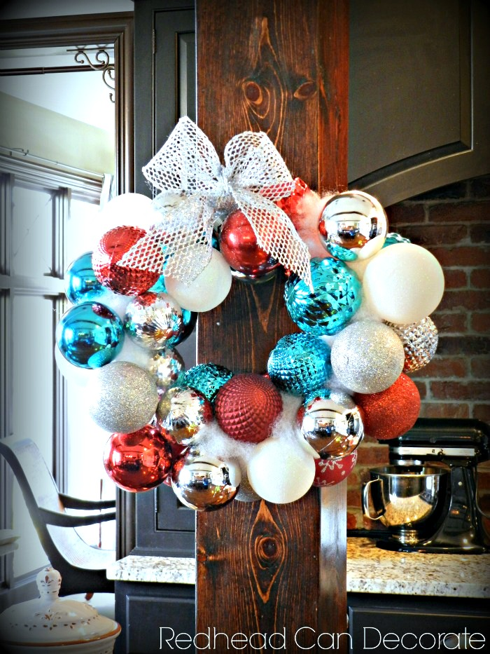 Easy-Hanger-Christmas-Wreath