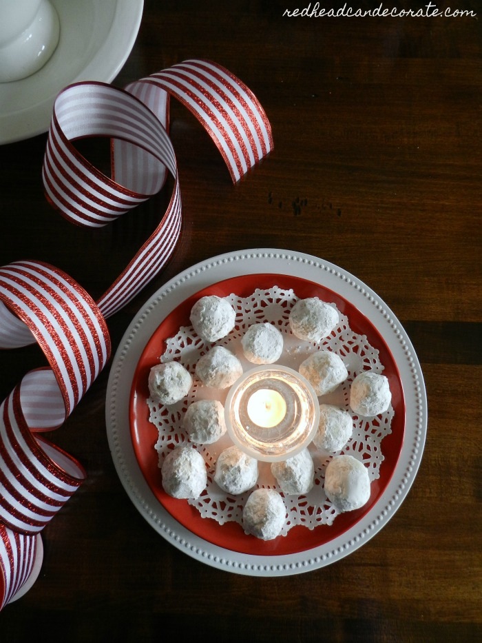 "Mom transforms 3 dollar store plates into this amazing ""Dollar Store Christmas 3-Tier Tray"" for $6.00! The final result is stunning."