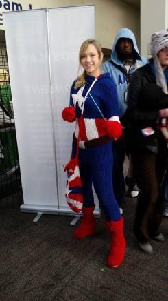 sac-anime-jan-2015-cosplay-female-captain-america-web