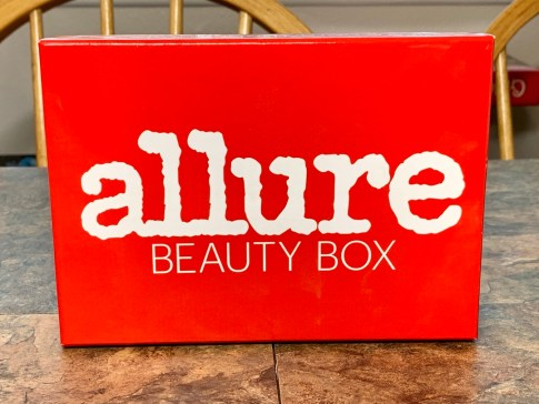 Allure Beauty Box December 2018 #Allure #AllureBeautyBox #beauty #makeup #subscriptionbox #beautyblogger