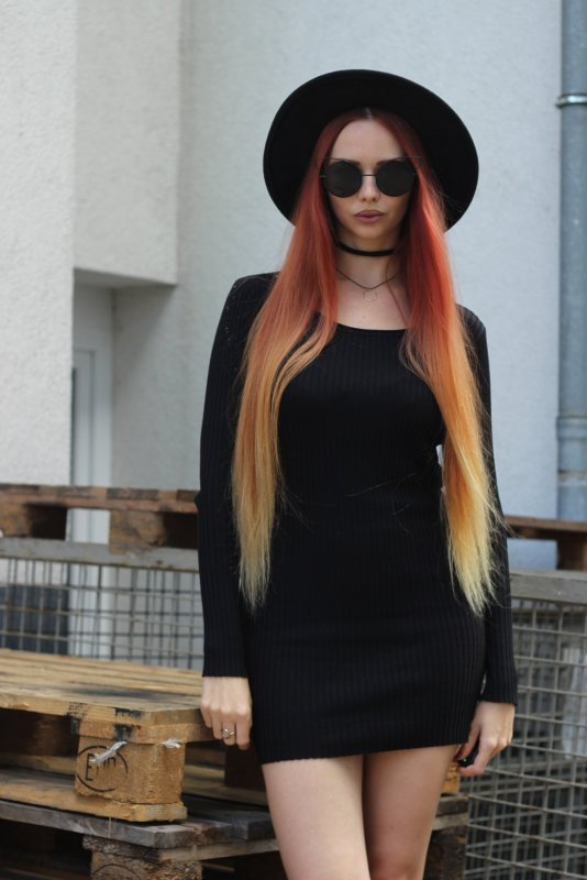 Minimalist outfit inspiration All black 3