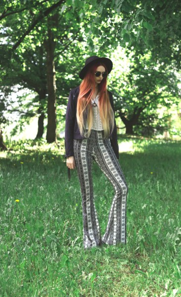 redheadventurer-liza-laboheme-fashion-style-essentials-boho-flares-bell-bottoms-1
