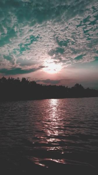 redheadventurer-liza-laboheme-blog-travel-brückelsee-germany-lake-water-beach-sunset