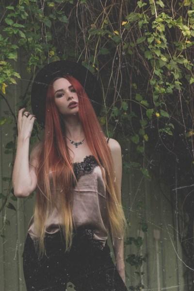 redheadventurer-liza-laboheme-velvet-satin-vintage-look (9)