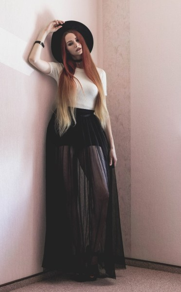 redheadventurer-liza-laboheme-fashion-outfit-hm-everypretty-tulle-maxi-skirt