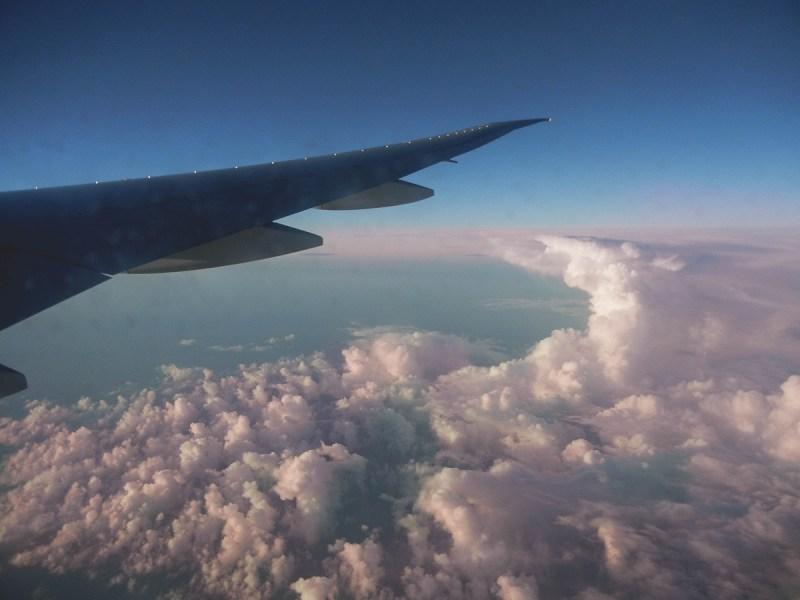 redheadventurer-liza-laboheme-travel-survive-long-haul-flight-plane (4)