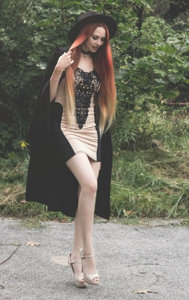 redheadventurer-liza-laboheme-fashion-ornament-dress-coat-heels (7)