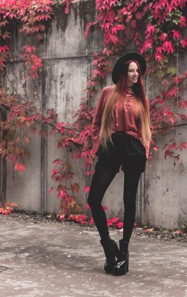 redheadventurer-liza-laboheme-fashion-outfit-coral-fall-3