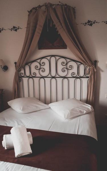 redheadventurer-liza-laboheme-travel-alsace-france-rouffach-colmar-strasbourg-bed-hostellerie-ville-de-lyon