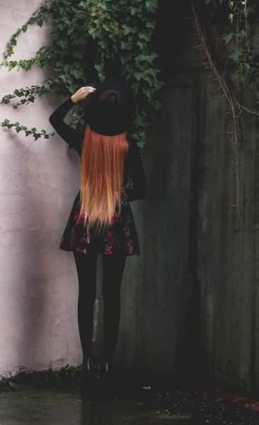 redheadventurer-liza-laboheme-dark-romantic-outfit-velvet-roses (1)