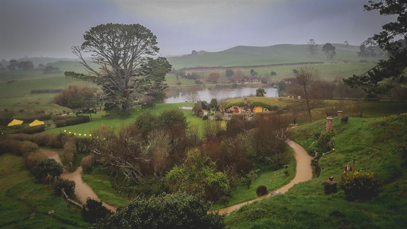 new-zealand-hamilton-hobbiton-lotr-travel-blog-redheadventurer-liza-laboheme (8)