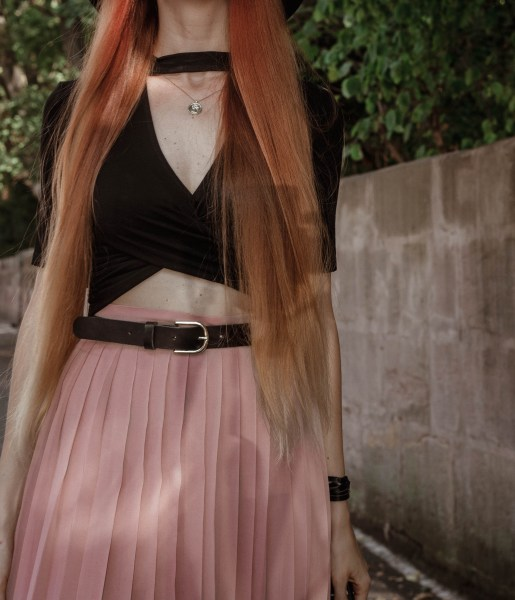 liza-laboheme-redheadventurer-fashion-blog-outfit-date-night-skirt-pink-black (18)
