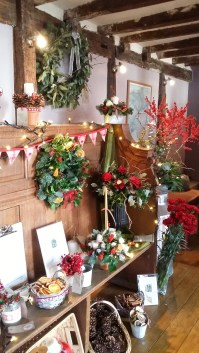 Lots of Christmas floral goodies!