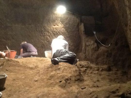 arqueologos piramides etruscas